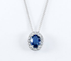 Collana Zaffiro Blu Ovale e Diamanti