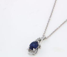 Anello Zaffiro Ovale e Diamanti
