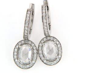 Orecchini con Diamanti taglio ovale